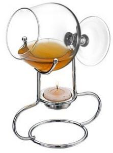 Aquecedor para cognac fabricado em inox, com taça de cristal. R$ 89,90
